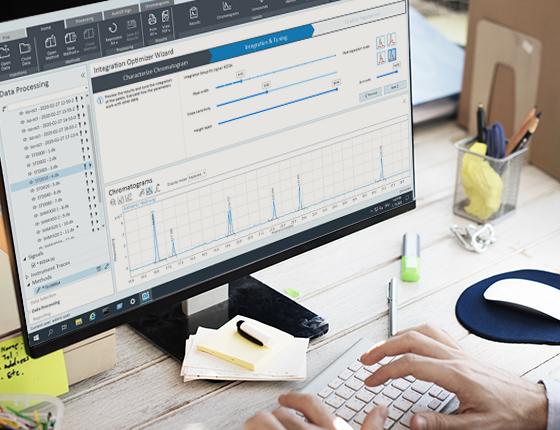 OpenLab CDS software on a desktop monitor